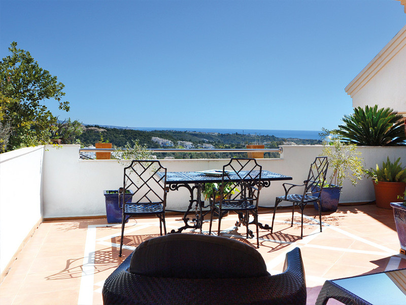 The Albatross Hill Club is located in an upscale and very quiet area of Nueva Andalucia. The facilit,Spain