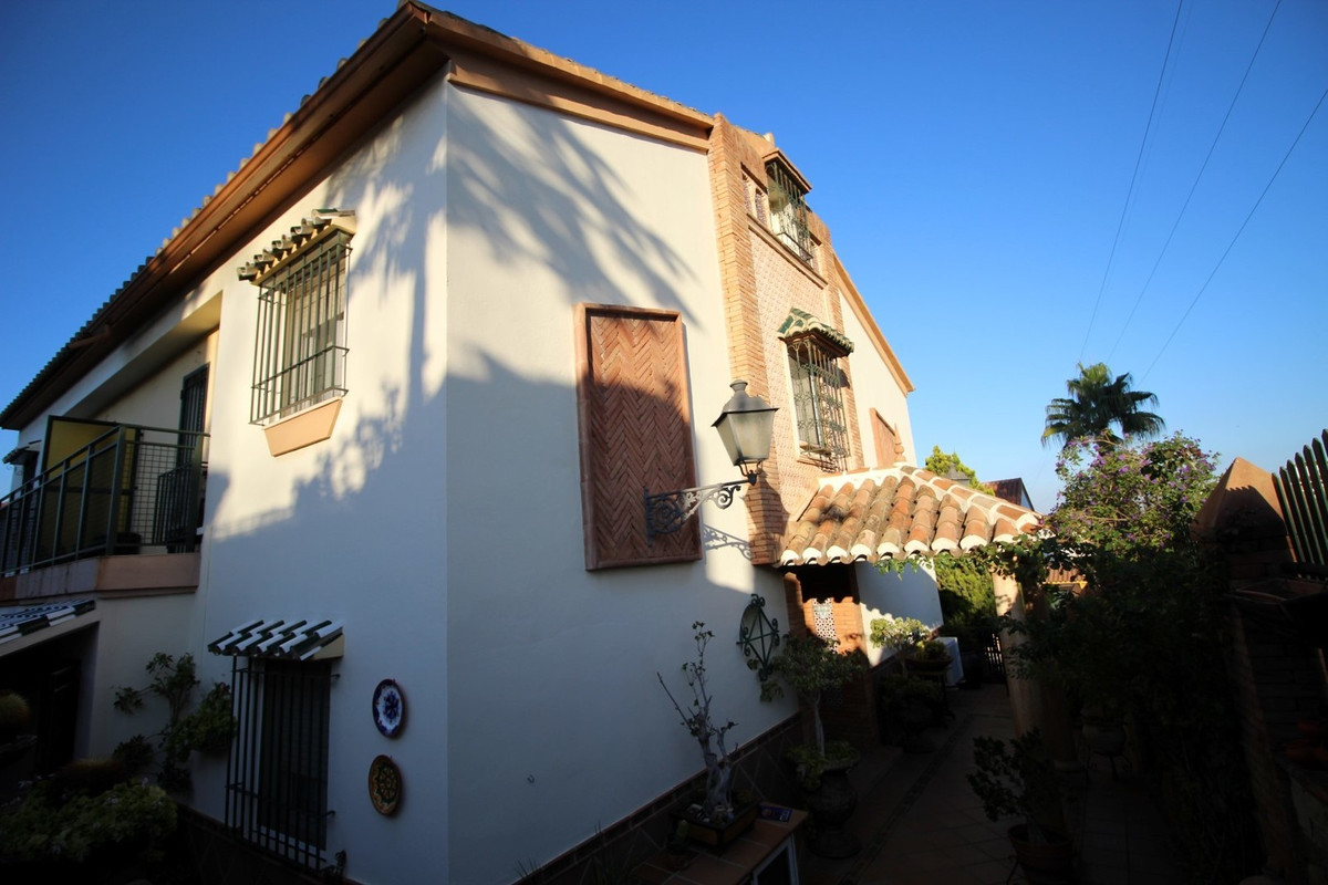 Fantastic town house in Torre del Mar, a tourist village on the Mediterranean coast. The property ha, Spain