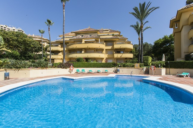 This lovely penthouse features three bedrooms, three bathrooms, fully equipped kitchen and a spaciou,Spain