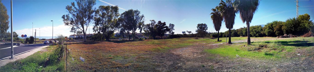 Commercial plot available of 8294 square meters with permission for 400m2 commercial build suitable , Spain