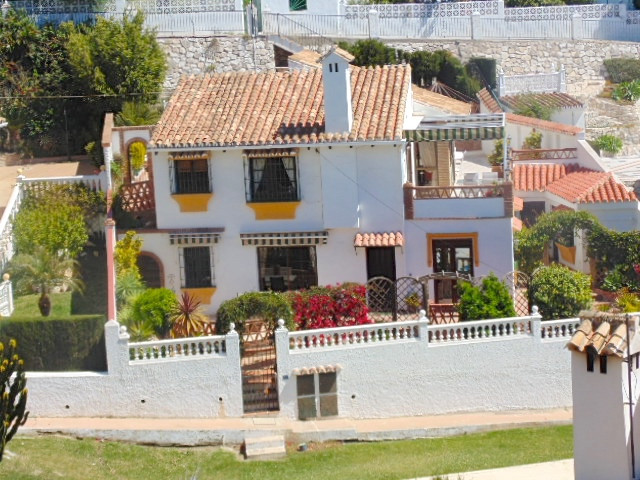 *** RESERVED***  Fantastic detached villa in the lower part of Torremar within walking distance of t, Spain