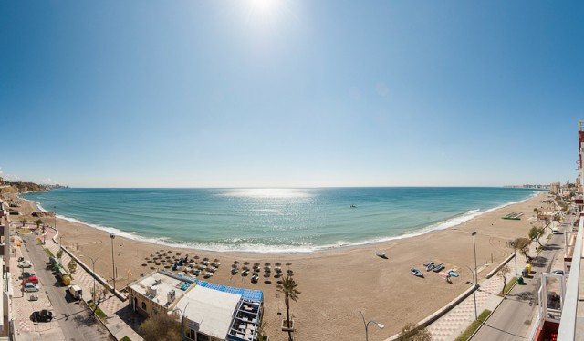 A very rare opportunity to purchase this stunning, larger than average frontline beach penthouse, wh,Spain