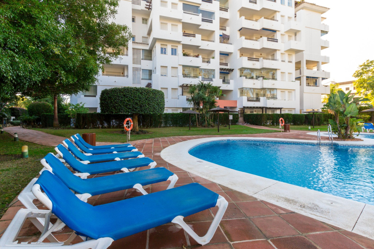 Fantastic opportunity in the best area of Costa del Sol. This middle floor studio consists of an ent, Spain