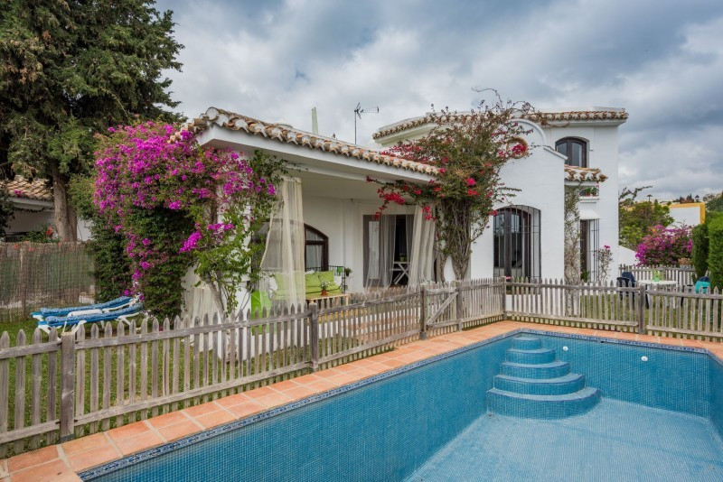 Villa for sale in Sitio de Calahonda, Mijas Costa, with 3 bedrooms, 3 bathrooms, the property was bu, Spain