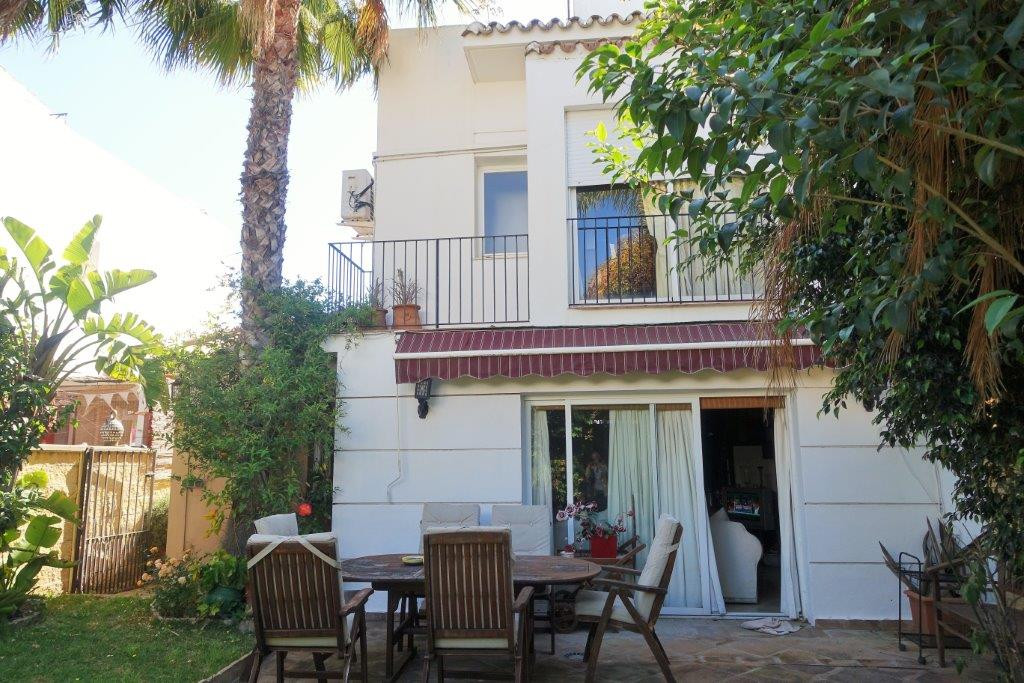 Nueva Andalucia Semi detached house with 4 bedrooms at walking distance to amenities, to Puerto BanuSpain