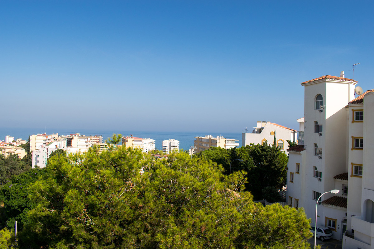 The studio: -47m2. -5th floor. -South orientation. -Lift. -Terrace. - Pool. -Garden.   The most inte,Spain