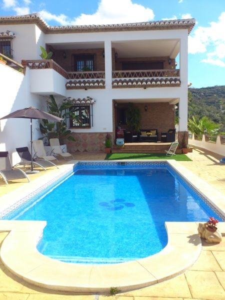 This spacious villa is built over 2 floors and has a private swimming pool. On the first floor there,Spain