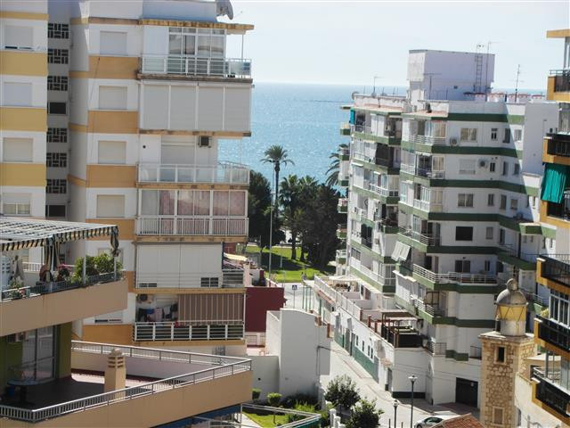 Beautiful flat on 9. floor and overlooking the sea, near to  the beach, long terrace, furnished, bui,Spain