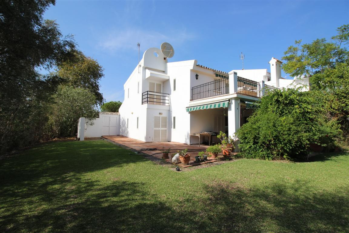 This super large corner townhouse located in the very  popular Sotomar. Its south facing, very priva,Spain
