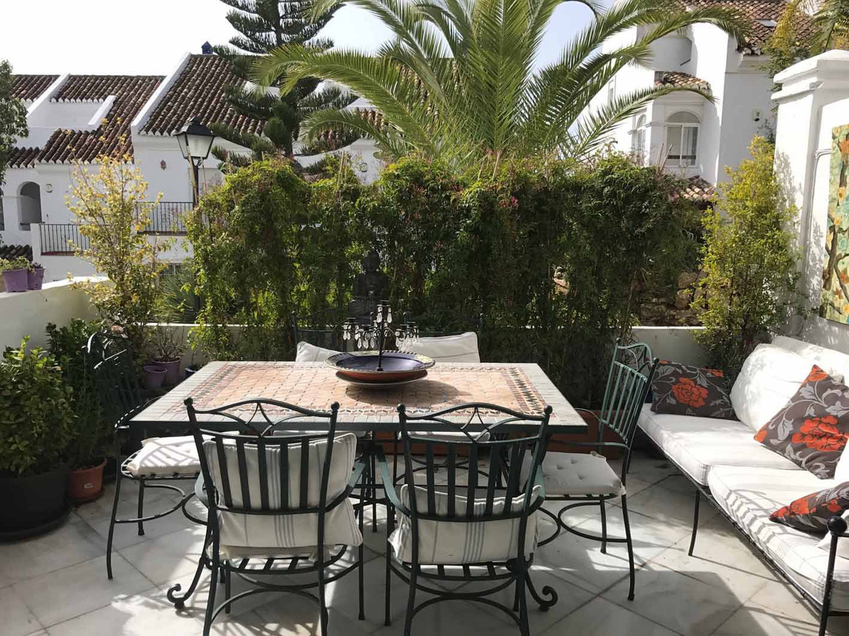 Town House for sale in Arco Iris, Marbella Golden Mile, with 4 bedrooms, 4 bathrooms, 1 guest toilet, Spain