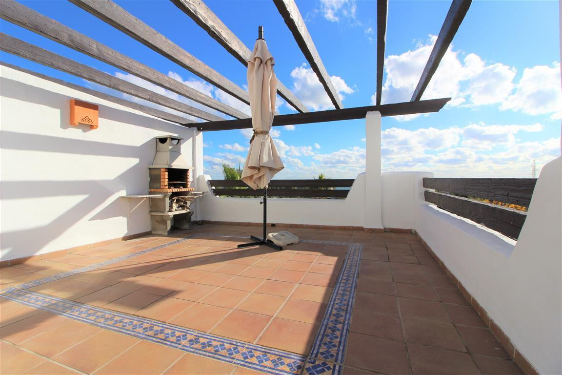 Top Floor Apartment, Selwo Hills, Costa del Sol. 2 Bedrooms, 2 Bathrooms, Built 120m², Terrace 30m²., Spain