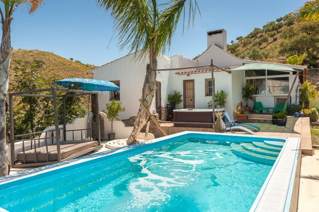 Finca located in the countryside in Alora. Situated in an elevated position offering spectacular vie, Spain
