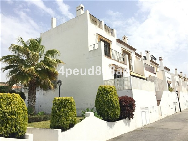 South facing corner beachside townhouse with roof terrace located 230m from the beach and in walking,Spain