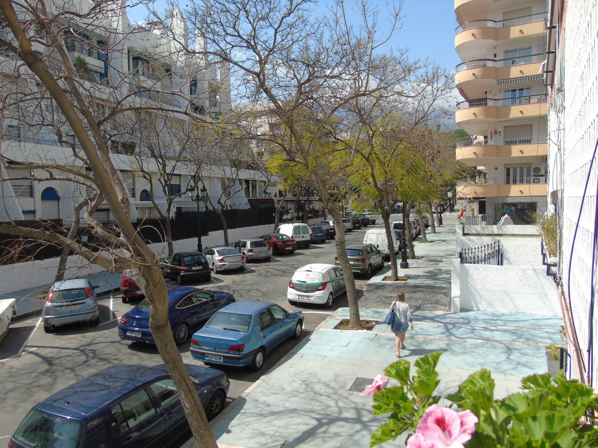 Spacious apartment in the most demanding area of Marbella center, just 100 meters away from the prom,Spain