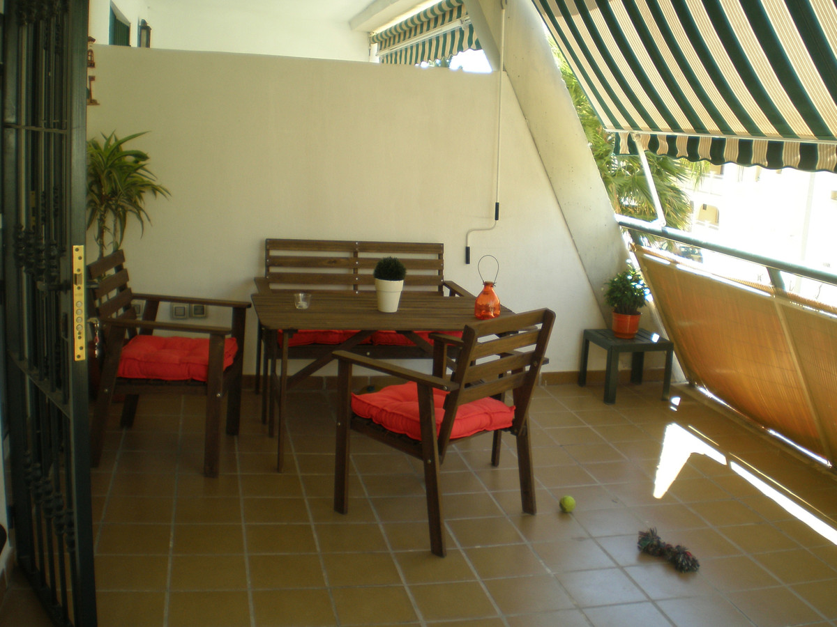 2bed 1 bath ground floor. 5 minutes walking from the beach and shops. Garage. Big patio (30sqm).Fitt, Spain