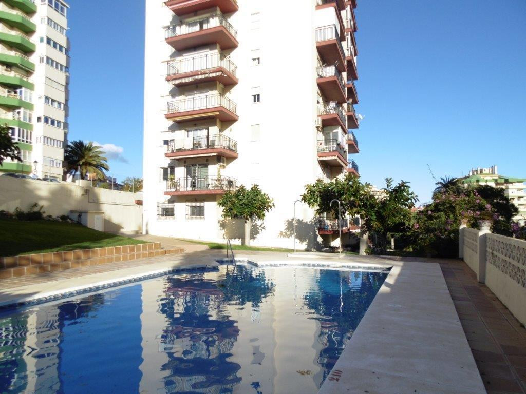 Middle Floor Apartment, Fuengirola, Costa del Sol. 2 Bedrooms, 1 Bathroom, Built 70 m², Terrace 9 m², Spain