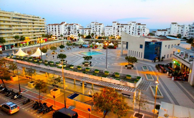 2-bedroom apartment situated in the heart of Puerto Banus - Tembo building!  The apartment has 2 bed, Spain