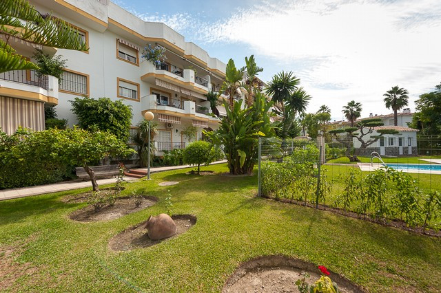 Fantastic apartment located in Alhaurin el Grande. Situated in a gated and secure urbanization with ,Spain