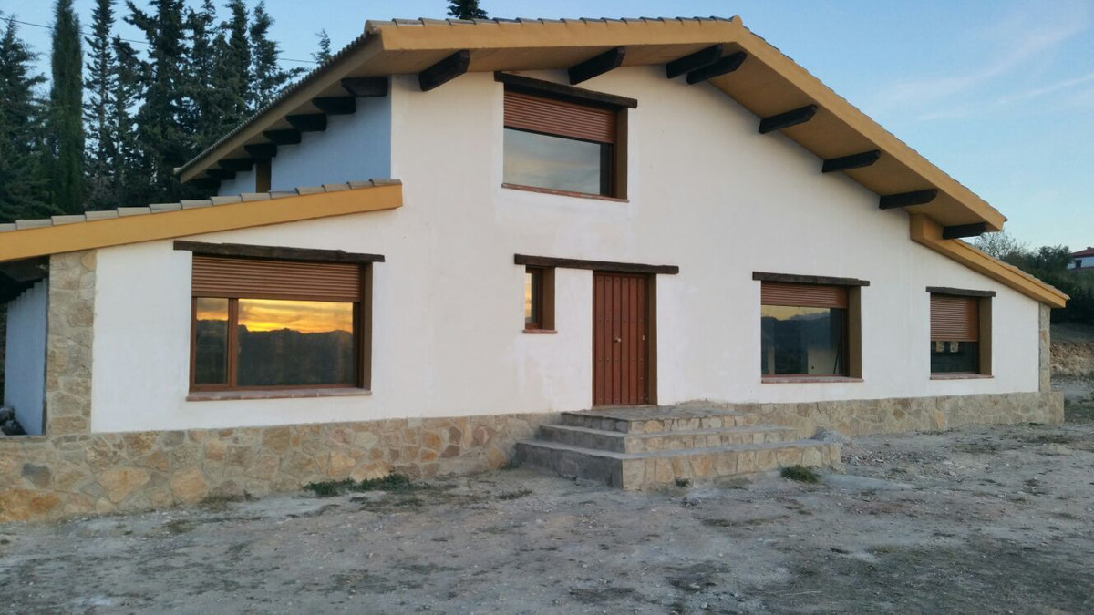 RONDA COUNTRY HOUSE TO BE FINISHED TO YOUR LIKING. Construction works on going, hence the rise in th, Spain