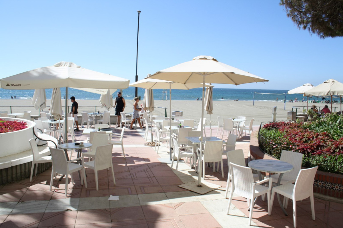 Cafe, Estepona, Costa del Sol. 2 Bedrooms, 0 Bathrooms, Built 60 m², Terrace 100 m&sup2, Spain