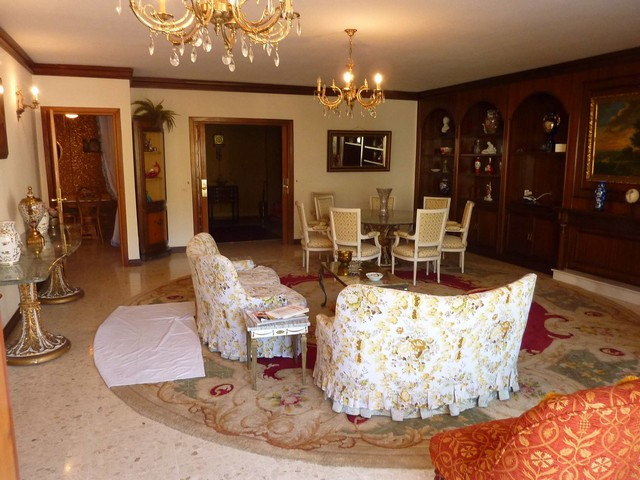 Well located apartment situated in Marbella´s centre, beach side. Close to all kind of amenities and,Spain