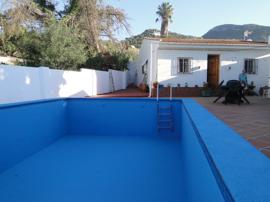 Private villa with guesthouse, walking distance to the town centre.  The main house has three double, Spain