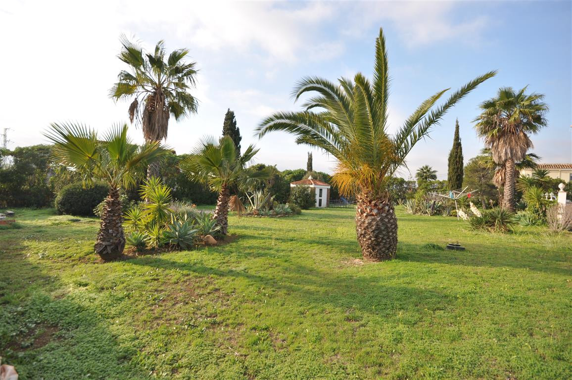 Magnificent PLOT FOR A VILLA, really nice located only 5 minutes drive to ESTEPONA and another 5 to ,Spain