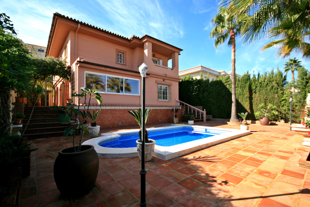 Immaculate villa located just a short distance from local facilities, Mijas Golf Course and a 5 minu,Spain