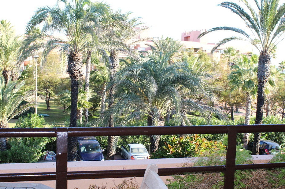 Great apartment in the heart of the Marina of Sotogrande, close to amenities such as supermarkets, h, Spain