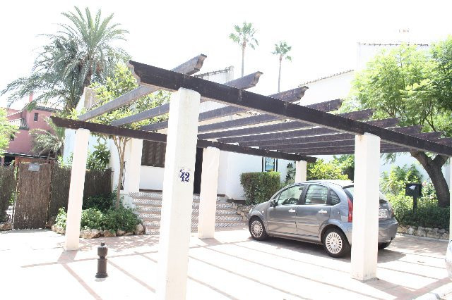 Detached Villa, Estepona, Costa del Sol. 3 Bedrooms, 1 Bathroom, Built 90 m², Terrace 5 m².  Setting, Spain