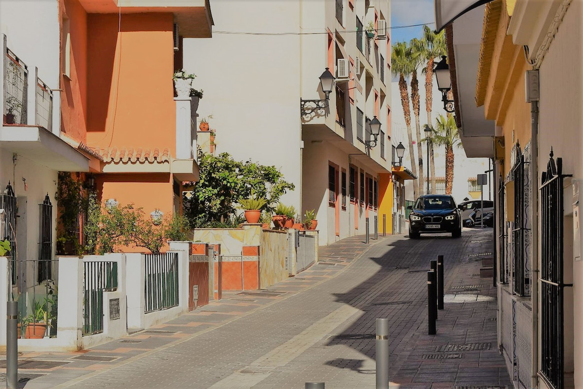 Cozy apartment in Mijas center, only 11 years old, surrounded by all kinds of services, schools, and, Spain