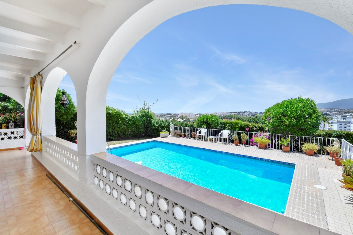 Nice Bungalow, located in a very well located, in a cul- de- sac street very quiet, and private The ,Spain
