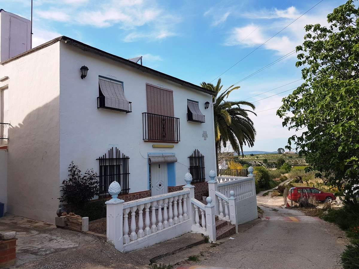 Partly renovated country house of 170m2 on a fenced plot of 3.324m2 for sale in Albaida.  Via the co, Spain
