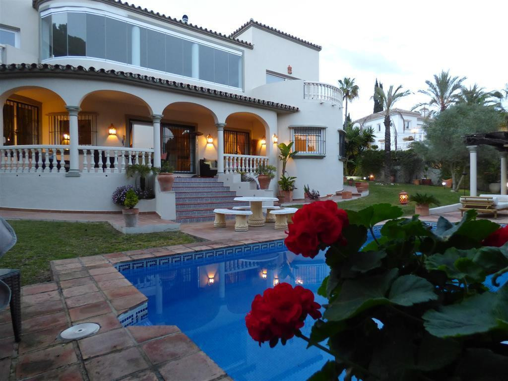 LUXURY VILLA!!  5 Bedroom luxury villa for sale on one of the most sought after urbanisations in Mar,Spain