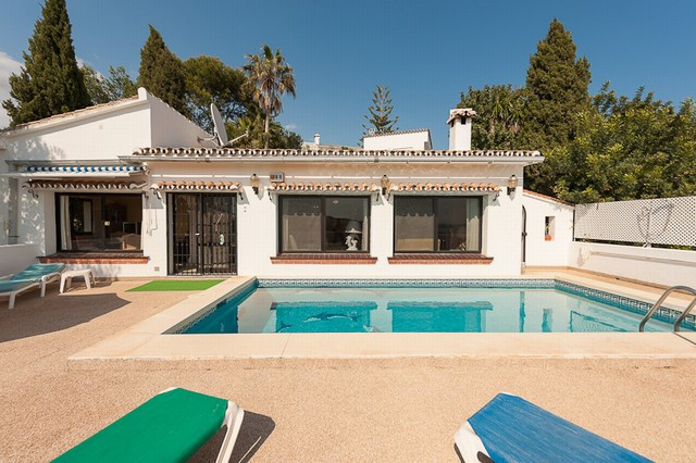 Originally listed for 695,000€ and recently reduced to 495,000€ to achieve a fast sale. Within walki, Spain