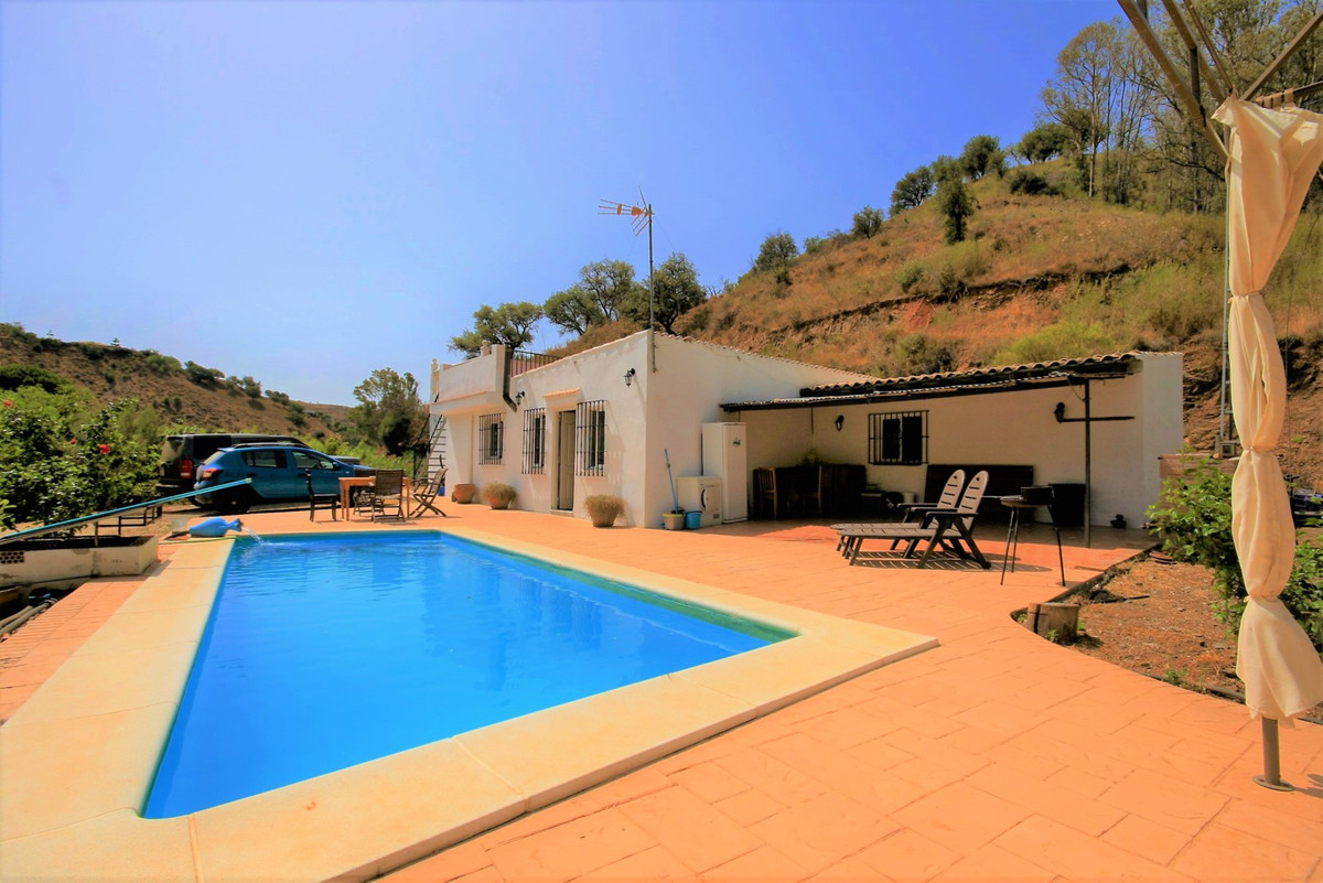 Bargain Finca!!  All on one level. Situated only 15km from the coast and 6km from the nearest shop, , Spain