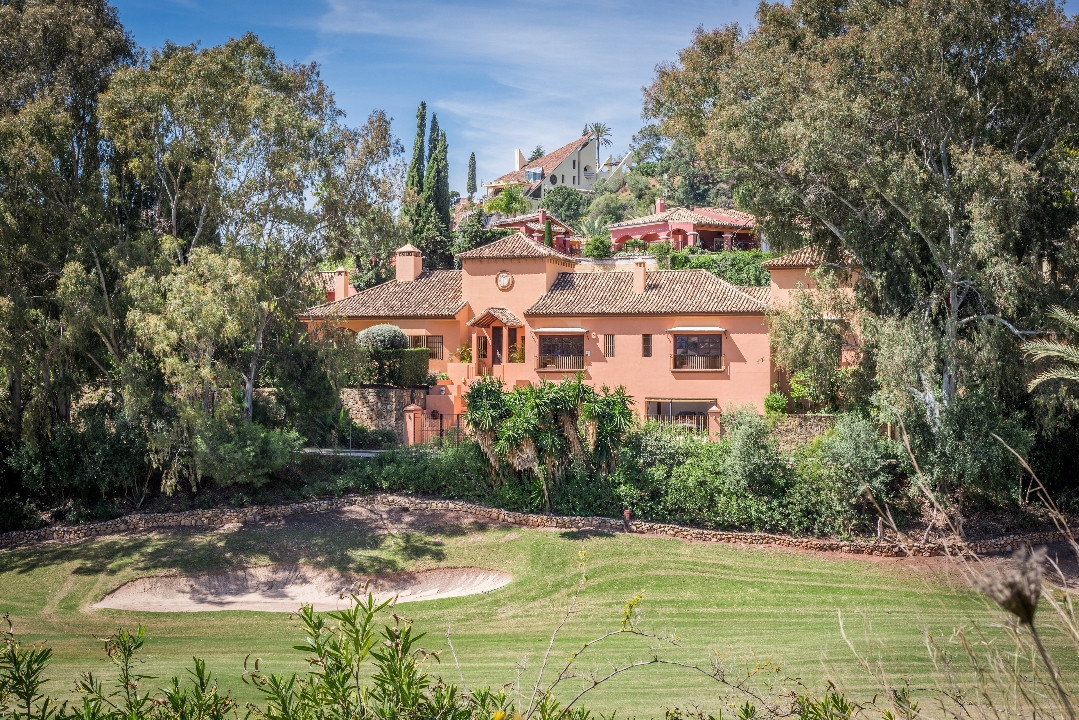 El Herrojo Alto - La Quinta Golf  Situated in the exclusive and secure residential neighbourhood of ,Spain