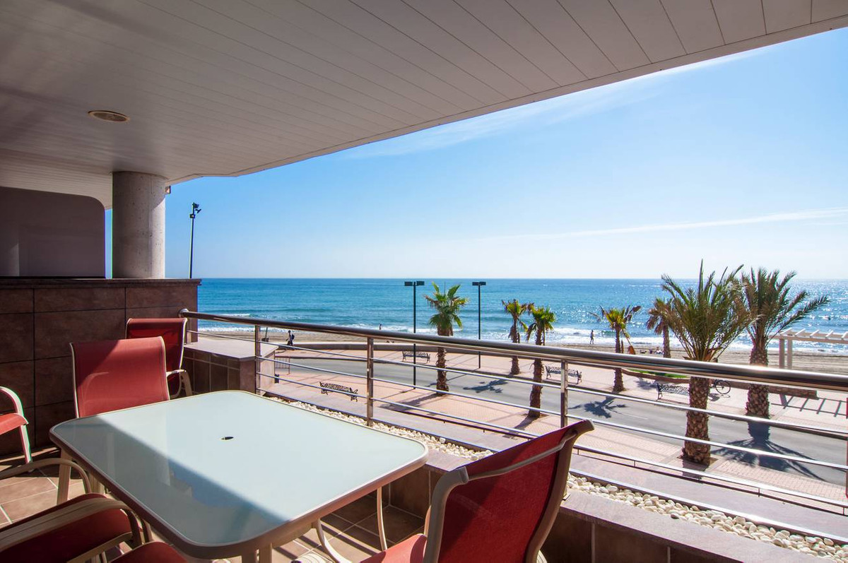 Front line beach apartment. 2 beds 2 baths. Magnificent apartment of recent construction located fro,Spain