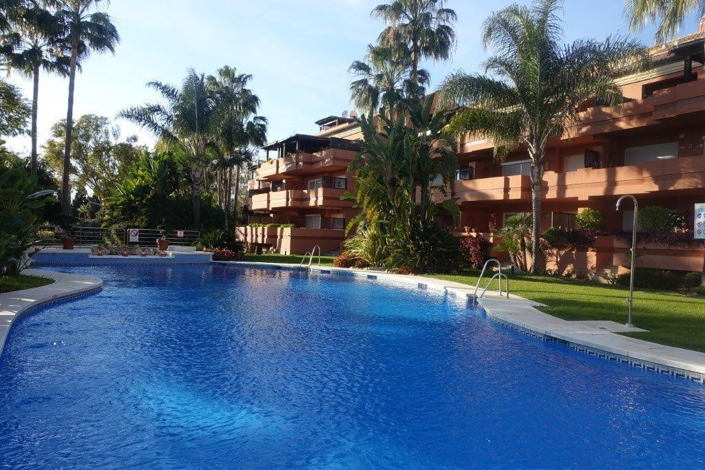 Fantastic apartment in the gated community of only 36 apartments. Ideally located a few meters from ,Spain