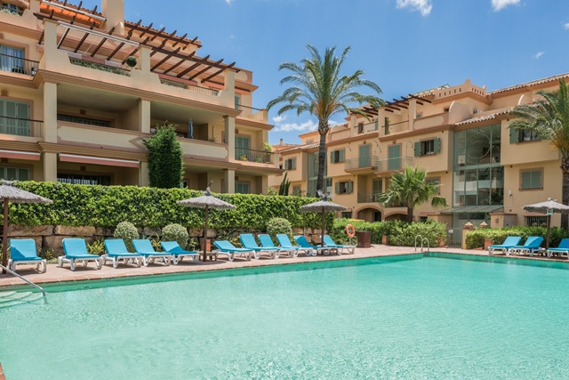 Spacious and luxurious apartment located in the gated community of Four Seasons Flamingos. This apar,Spain