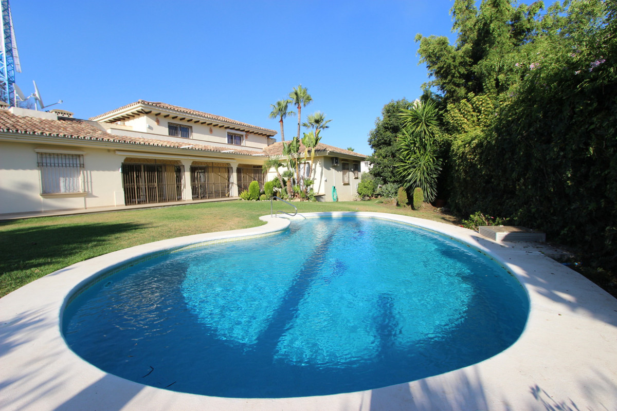 Front line golf villa located in Nueva Andalucia, after part of Golf Valley. Recently refurbished, e, Spain