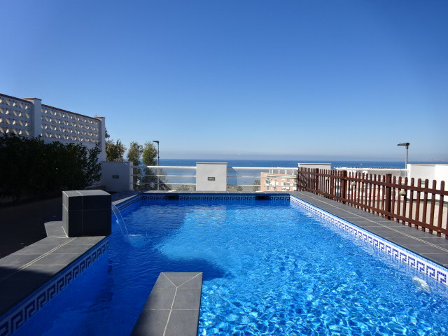 Pretty villa with views of the sea.  Distributed over four bedrooms, 2 lounges, 2 bathrooms and sold,Spain