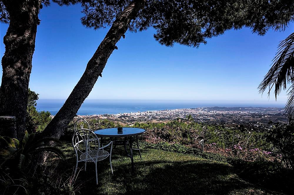 OPPORTUNITY TO BUY THE BEST POSITIONED PROPERTY IN MIJAS PUEBLO WITH THE MOST STUNNING PANORAMIC VIE, Spain