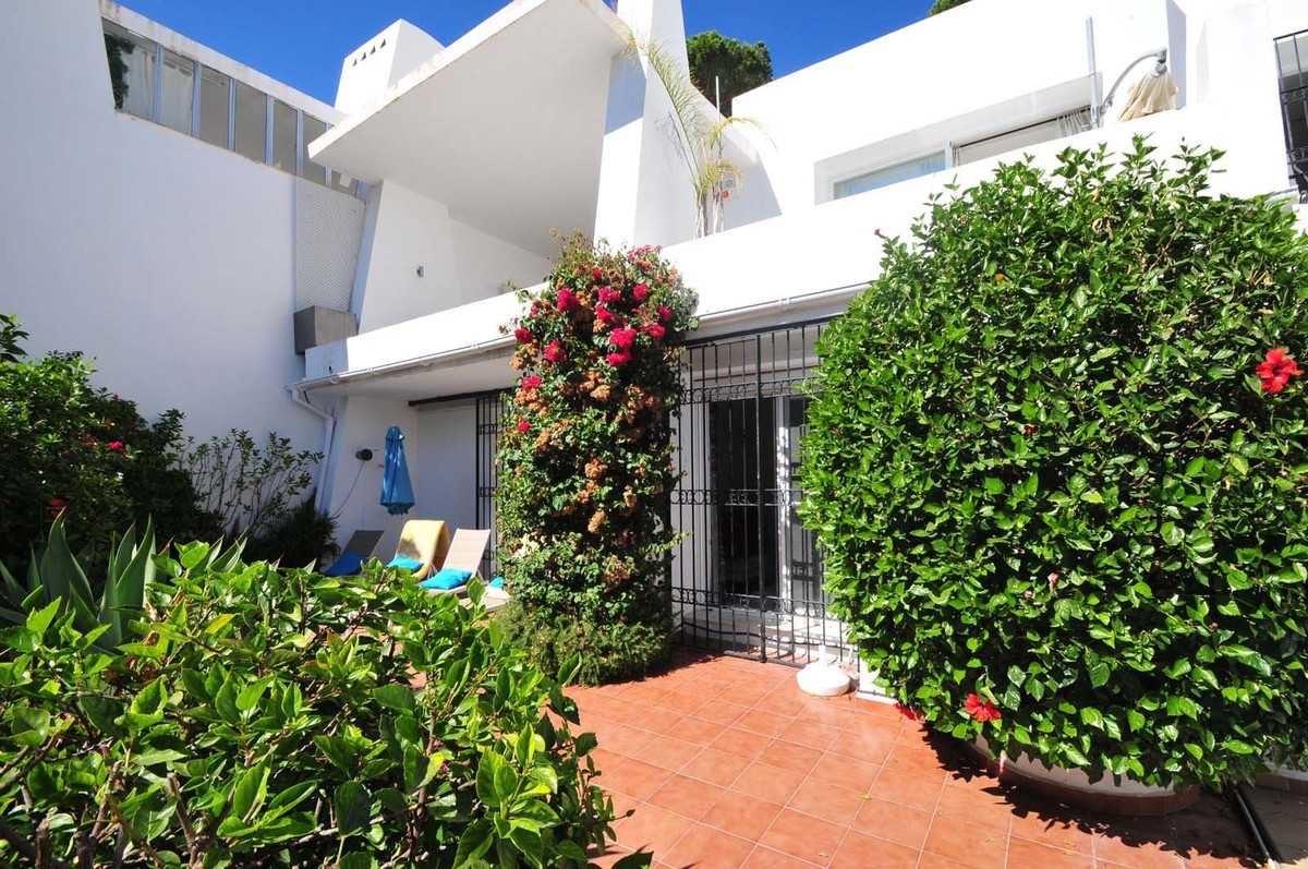A very spacious, south oriented and peaceful home in Rio Real with a lot of privacy. The recently re, Spain