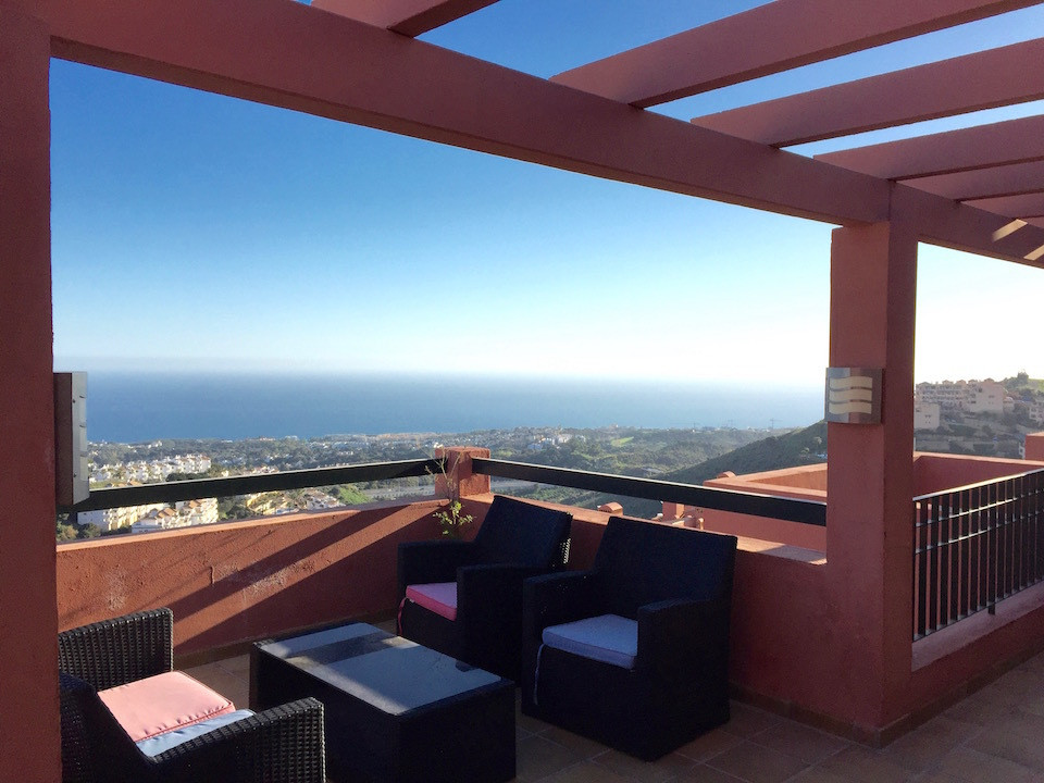 Wonderful, light and spacious luxury 2 bed/ 2 bath apartment located in the new, modern design, comp,Spain