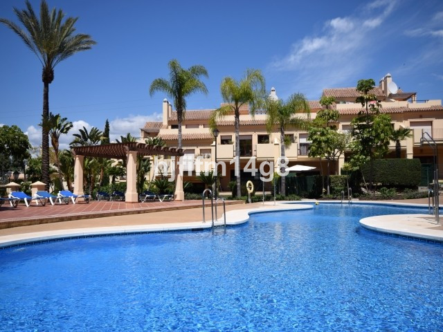 Spacious four bedroom townhouse for sale in a fantastic location, within walking distance to all ame,Spain