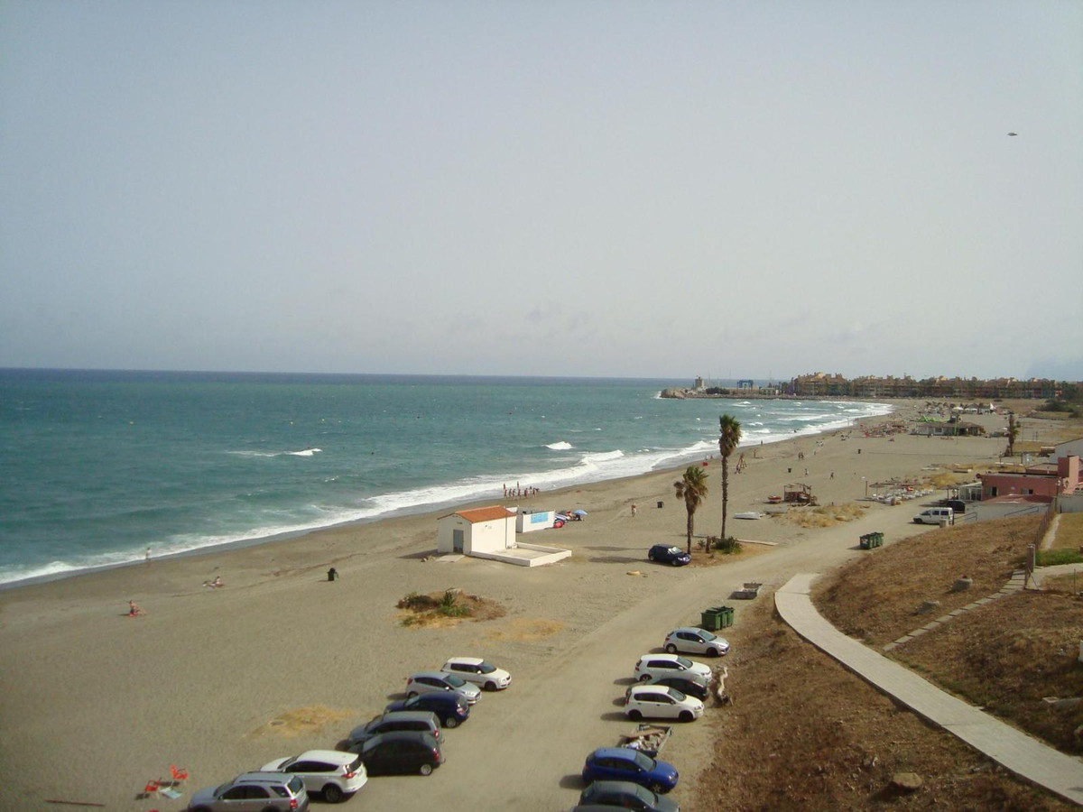 In Torreguadiaro, only 3 minutes from Sotogrande Port, for sale this fantastic apartment recently re,Spain