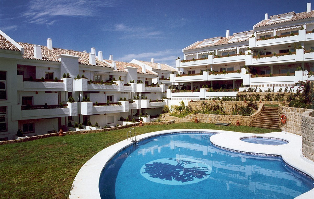 Apartment located in this urbanization, Aloha Mirasierra, in the golf valley of Nueva Andalucia, jus, Spain