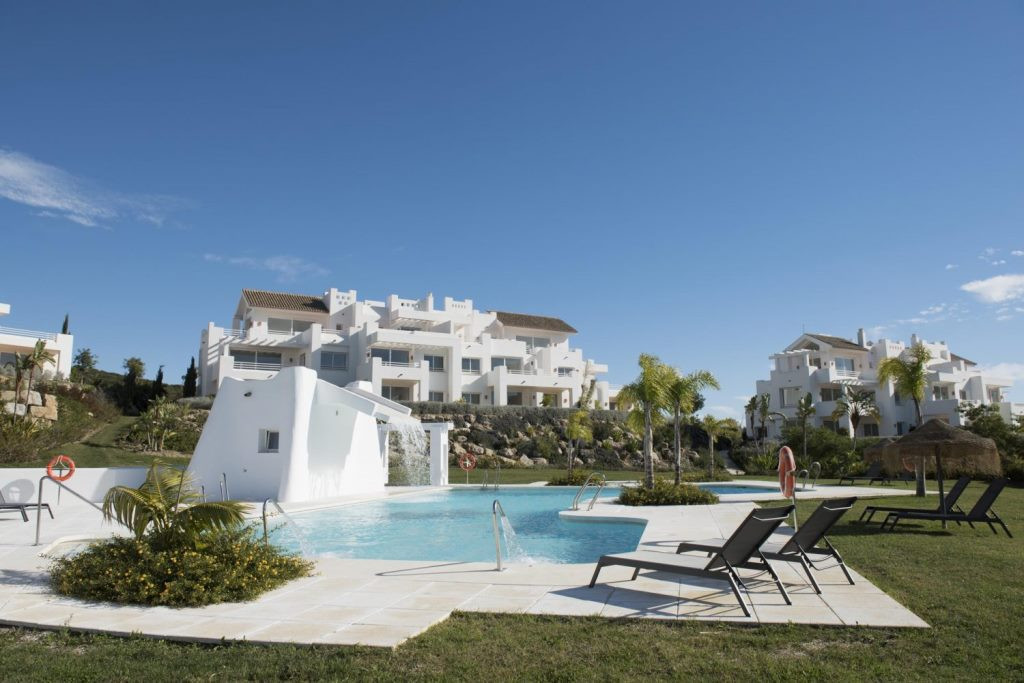 Beautiful apartments in a turquoise lagoon. Quality property, located in Marbella, Casares, privileg, Spain
