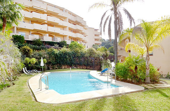 Spacious apartment 2 bedrooms 2 bathrooms with sea views and large terrace in quite gated community , Spain